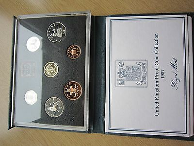 1987 Royal Mint UK Proof Coin Set in blue De-luxe case with COA