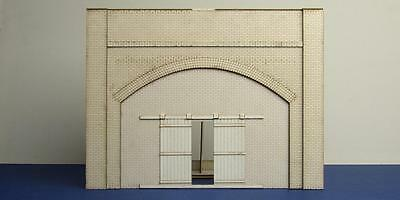 O gauge (7 mm) brick arch unit with industrial gate - LCC A 70-01