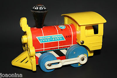 VINTAGE 1964 / 1965 Fisher Price #643 Toot - Toot Fire Engine Pull Toy