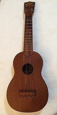 Vintage Favilla Soprano Ukulele. Beautiful Condition.