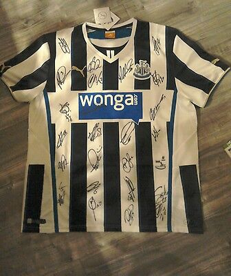Signed Newcastle United Shirt. Adults XL Brand New. Signed by 2016/17 Squad.