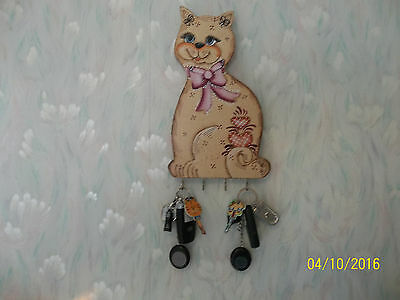 "Toile Handpainted 11"" x 7"" 4 hook Key Holder Wooden Cat Wall Plaque Signed"