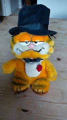 """Vintage Dakin - Garfield """"Cat About Town"""" Soft Toy with Top Hat - circa 1981"""
