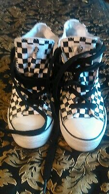 Girls white and black basket ball boots size 4