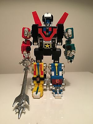 Vintage 1984 LJN - Motorized VOLTRON Master Go Lions COMPLETE With Sword