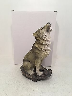 Wolf Howling Stunning Figurine Ornament *Brand New Boxed*