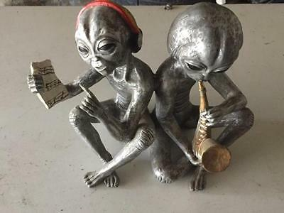 Extremely Rare! Aliens Sitting Relaxing Making Music Figurine Statue
