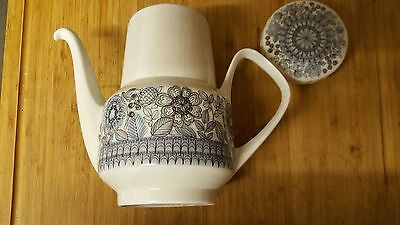 Pontesa Coffee Pot Castillian Collection. Lovely pattern on side.