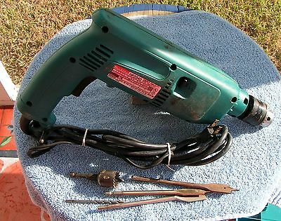 """Makita Hp2040 -- 3/4"""" Concrete 1/2 Steel Corded Hammer Drill With Case"""