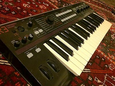Korg R3 Synthesizer Synth