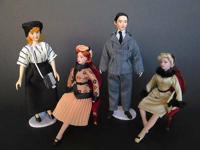 1940/1950 miniature dolls in 1:12 scale. Dollhouse dolls by Paola&Sara Miniature