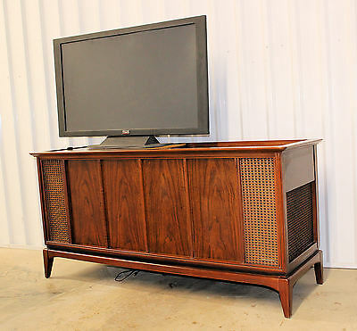 Vintage MID CENTURY Danish Modern CREDENZA Magnavox Stereo Console (untested)