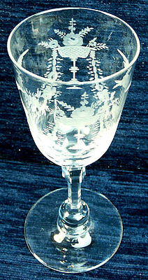 A FINELY ENGRAVED LATE 19th CENTURY ENGLISH WINE GLASS