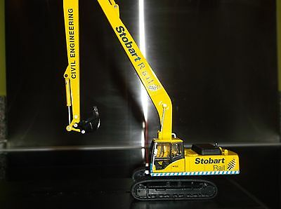 This must have huge 1.76 scale hydraulic excavator/digger/ suitable for 00 gauge