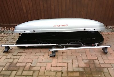 Kamei roof box and Thule roof bars