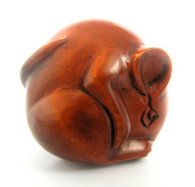 "Y4448 --- 2"" Hand Carved Japanese Boxwood Netsuke - Mouse in Circle"