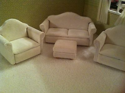 Dolls House 1:12th Scale Off White Sofa/ Settee, Footstool & 2 Armchairs.