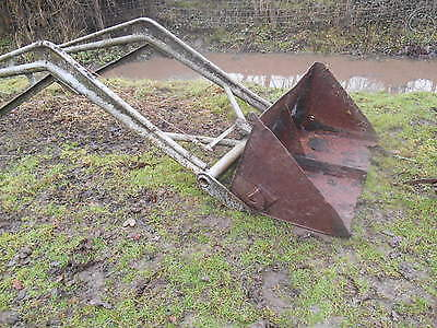 Vintage Massey Fergusson tractor T20 Fergie front loader with bucket complete