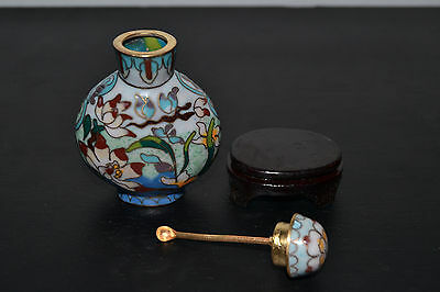 Antiguo y precioso Cloisonne Chino Snuff Bottle  c/cuchara