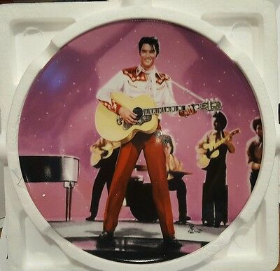 Delphi Elvis on the Big Screen Plate, Loving You with COA