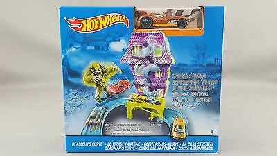 Hot Wheels Deadmans Curve track set with 1 car BNIB