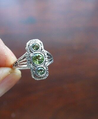 Antique Art Deco Natural Peridot Silver Ring