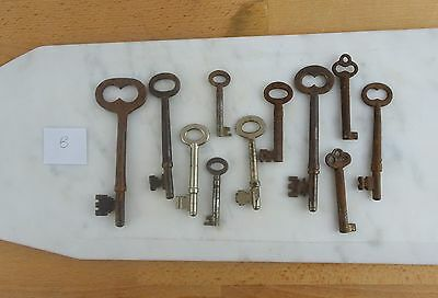 Small Lot of Genuine Vintage / Antique Skeleton Barrel Keys Rusty & Worn