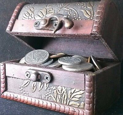 Treasure chest full of foreign coins lot of 100 to 130 world coins #LTC15
