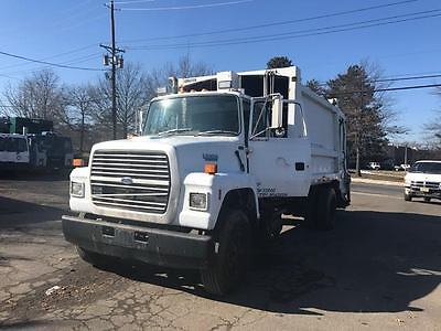 Rear Load Garbage Truck 1994 Ford L 9000