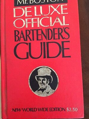 Old Mr. Boston Deluxe Official Bartenders Guide Vintage 1974