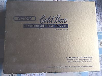 'Off To The Chase' 1000 pcs Vintage Victory Gold Box Wooden Jigsaw Puzzle