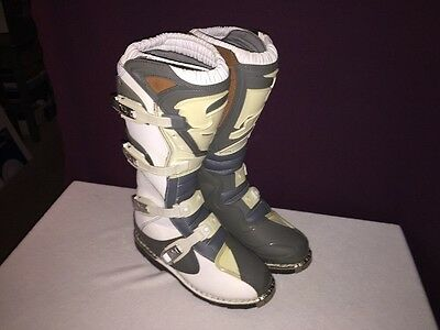 Thor Motocross Quadrant boots size 8 In Excellent Condition!