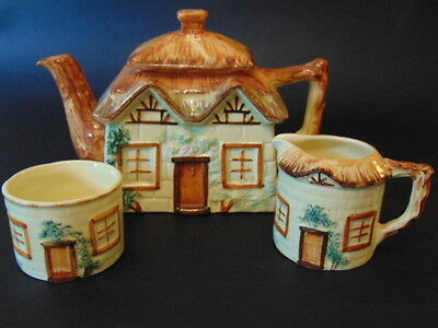 Keele St. Pottery Cottage Ware Hand Painted Tea Set (3 Pieces) In Good Condition