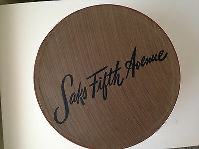 Vintage  Saks Fifth Avenue Large Round Hat Box And I. Magnin Hat / Ex + Cond.
