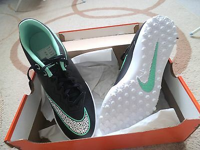 new Nike football boots size 11