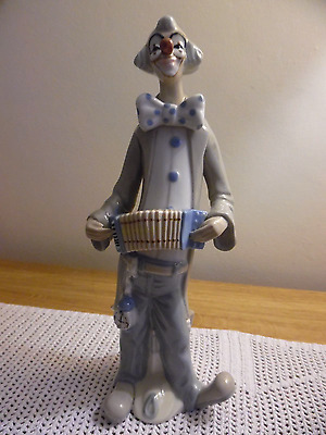 Cascades Porcelain Clown with Accordian Great Mothers Day Gift