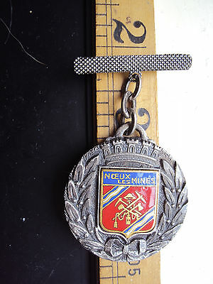 Not researched vintage   NOEUX LES MINES badge