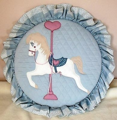 carousel horse wall hanging pre owned very good