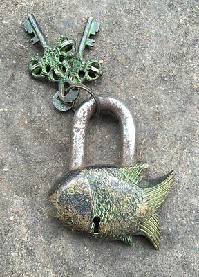 Chinese old antique metal auspicious fish lock and keys