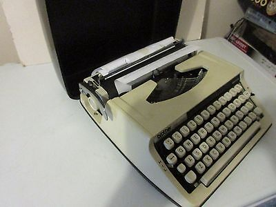 Brother Deluxe 800 Portable Japanese Typewriter (70s, vintage)