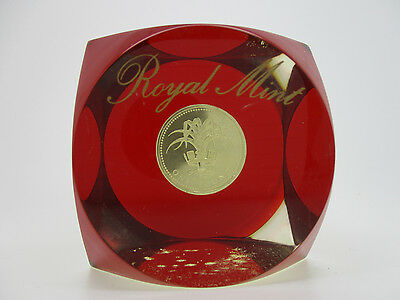 1990 Royal Mint United Kingdom Great Britain Encased £1 Lucite Paperweight
