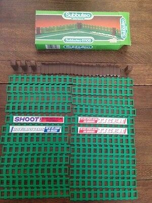 Subbuteo Outer Pitch Fencing Set