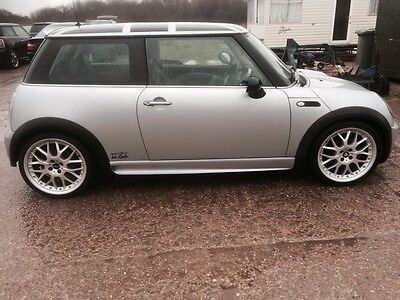 BMW Mini Cooper 2003 R50 BREAKING  PARTS SPARES * OS Window Glass *
