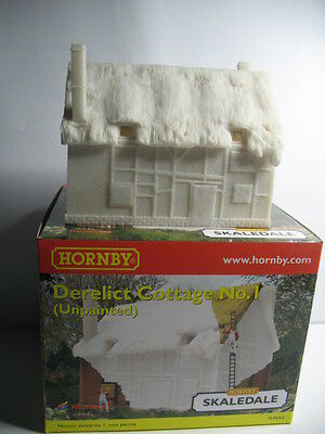 Hornby Skaledale  R9643  DERELICT THATCHED  COTTAGE  TO PAINT