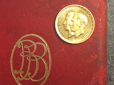 1953 900 Fine Gold Luxembourg 20 Franc Royal Couple Coin Original Leather Case