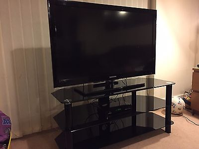 """Samsung LE40C530F1W 40"""" 1080p HD LCD Television with TV Trolley"""