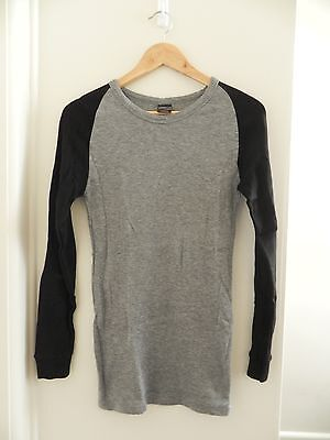 Kathmandu grey and black synthetic thermal top (size M)