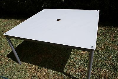 Glass outdoor table white