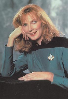 Star Trek TNG The Next Generation 1991 Beverly Crusher postcard 105-151