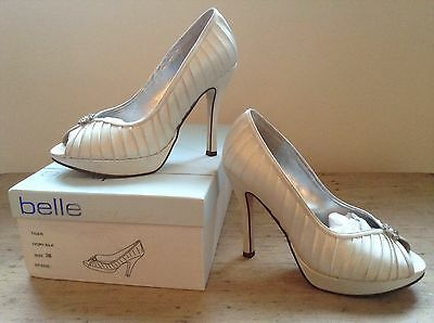 Wedding/Evening shoes Ivory with diamante size 5